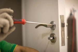 24 hour locksmith Gifford